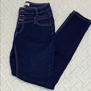 Blue spice jeans